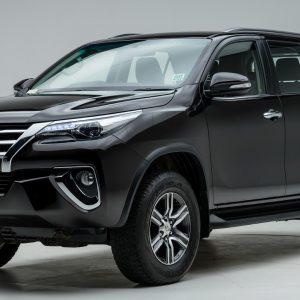 Toyota Fortuner đời xe từ 2017 trở lên chuyên phục vụ khách thuê xe ô tô Đà Lạt tham quan du lịch của công ty Tam Anh